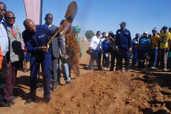 DSC_4864Supra Mahumapelo turning-sod at Kopela road